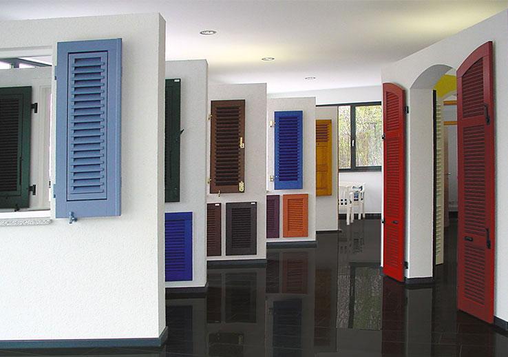 ausstellungsraum fensterl den hermes royal. Black Bedroom Furniture Sets. Home Design Ideas